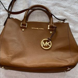 Womens Michael Kors Purse